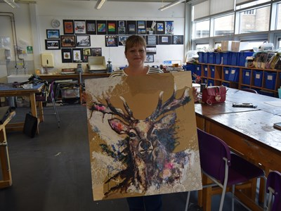Animal artist Rachael Hare recognised for her talent