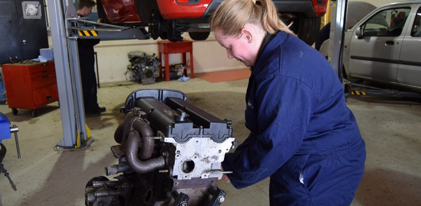 Automotive student in the workshop